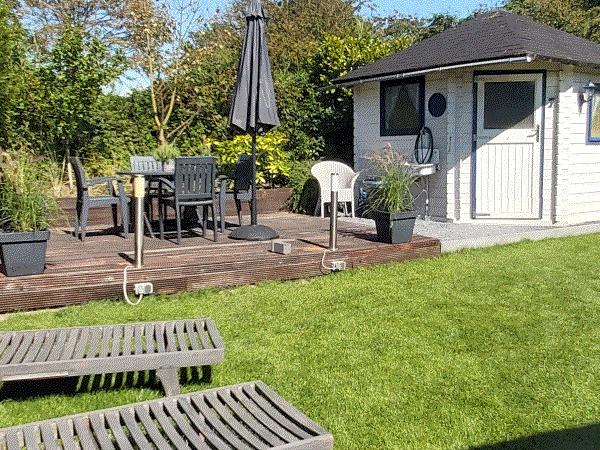Afbeelding gezellig hoekje achtertuin prunus 7